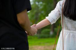 真正想离婚的女人特征 男人的哀求她无动于衷