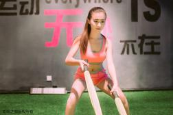 跑步会让胸部下垂吗 合适的运动内衣可以避免胸部受伤