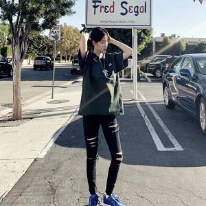 欧阳娜娜洛杉矶游玩,又甜又酷,少女力十足呀!